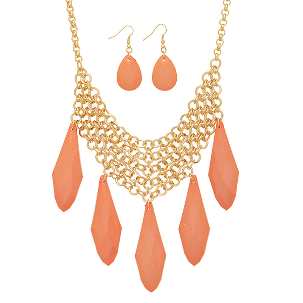 "16"" Gold tone necklace coral tone bead focal & earrings"