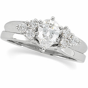 1/4 ct tw Diamond Wrap (Solitaire sold separately)