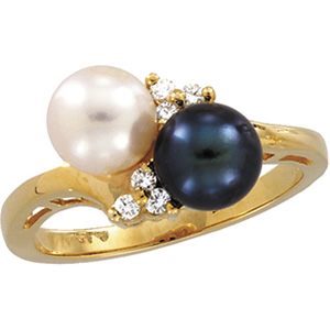 CULTURED AND BLACK PEARL W/DIAMOND RING